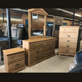 120. $799 – WINDOM FLOOR & SLEEP 4 PIECE OAK FINISH BEDROOM SET BY LANG /Windom, includes dresser, mirror, 5 drawer chest and night stand